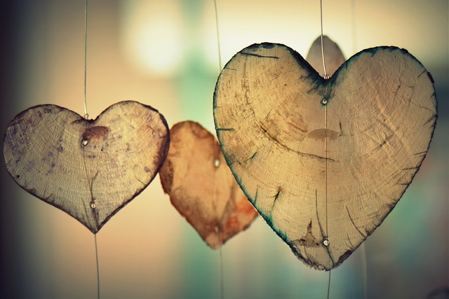 Hanging hearts made of wood